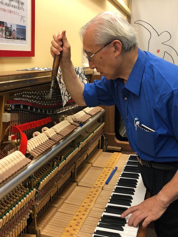 世界最高峰のアップライトピアノ スタインウェイ K-132